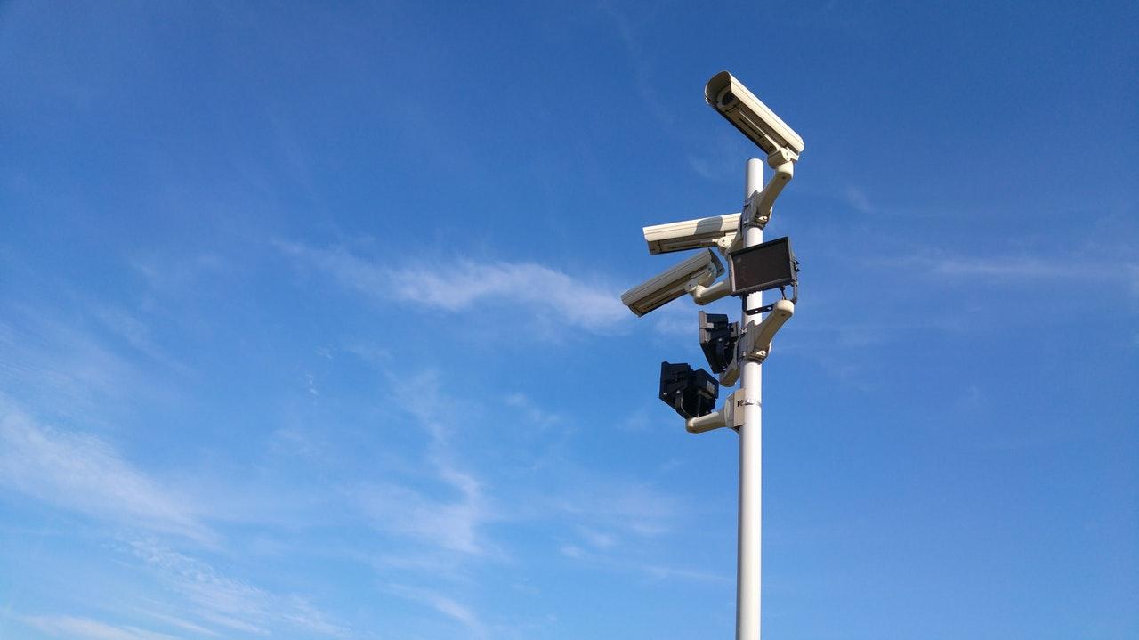 Jak wybrać idealny monitoring dla domu?